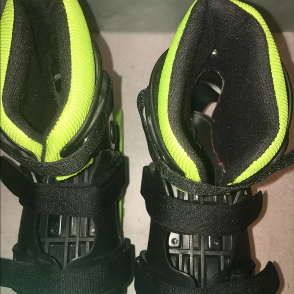 Madd Gear Boosters Bouncing Boots Jump Shoes Children Kids Size 3-6 youth